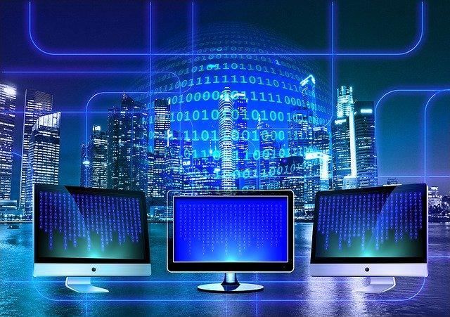 Onlinekurs erstellen, 3 Bildschirme in Blautönen